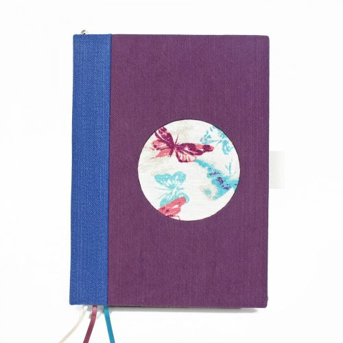 Lila-kék pillangós dátum nélküli heti tervező